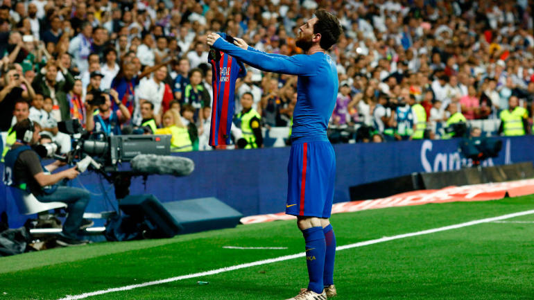 El Clasico 2017: Messi trolls Real Madrid fans with iconic shirt celebration after scoring ...