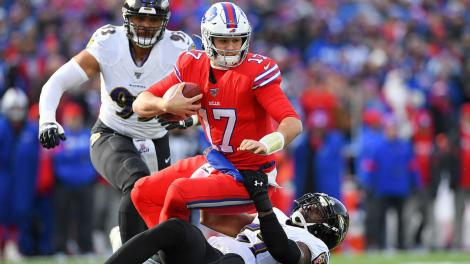 Lamar Jackson slowed by Bills, but Ravens prove they can win ugly with  their dominant defense - CBSSports.com