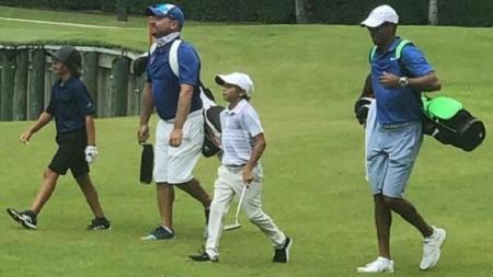Tiger Woods' 11-Year-Old Son Charlie Wins US Kids Golf Tournament With His Dad as Caddy