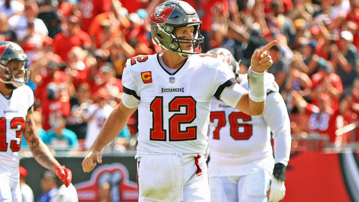 NFL DFS, Buccaneers vs. Eagles: DraftKings, FanDuel daily Fantasy football  picks for Thursday Night Football - CBSSports.com
