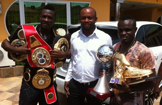 Tagoe with his manager, Asamoah Gyan and Sammy Anim Addp