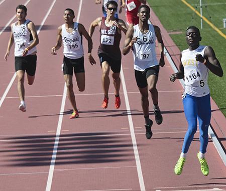 Alex amankwah breaks 800m record