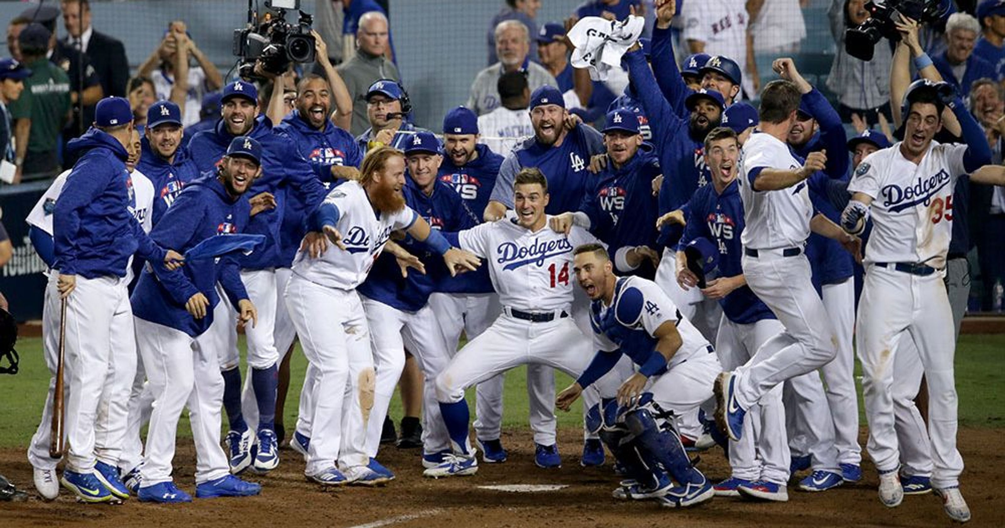 Dodgers react to walk-off in stunning video | Sports Life Tale