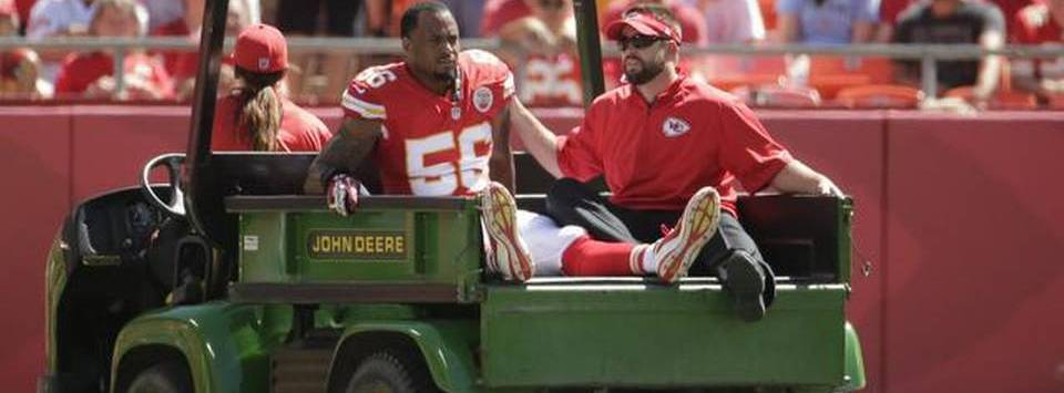 Derrick-Johnson-injury