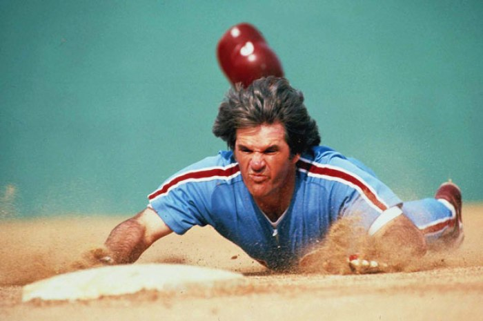 pete rose llegando a base