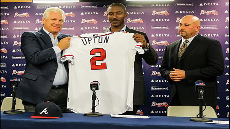 B J Upton firmando con Atlanta (1)