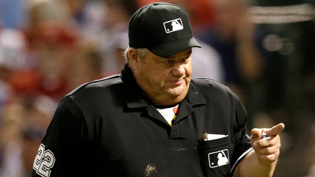 El duro camino que deben atravesar los umpires para llegar a la MLB