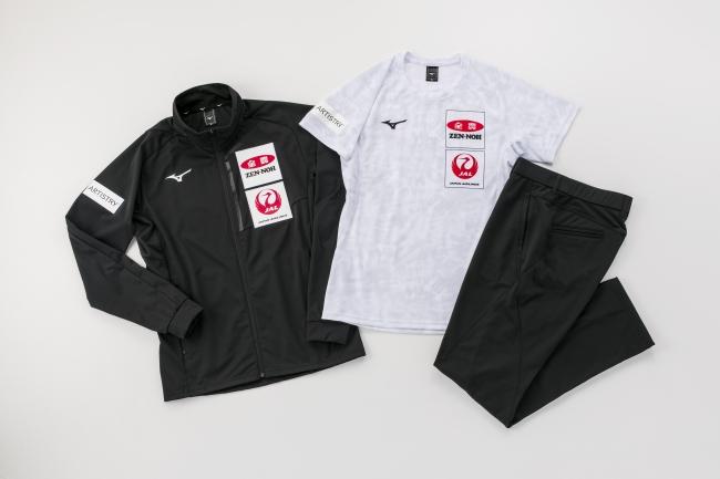 カーリング日本代表選手が着用2019-20シーズンのオフィシャルウエア完成
