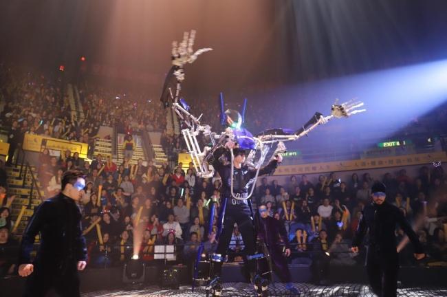 ROBOT BATTLE 2020! 2.7mのロボットスーツによる新感覚スポーツ「RFIGHT」
