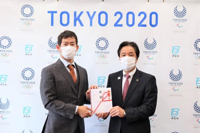 競輪選手・脇本雄太さんが競輪S級協力選手を代表し新型コロナウイルスに関連する医療従事者に138万8889円を寄付