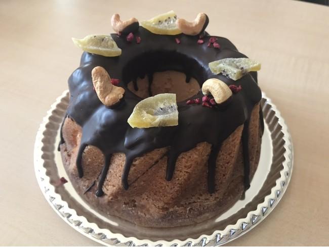 13日販売:パンケーキ大好きメイヨ選手プロデュースのオオリジナルラズベリークグロフケーキ