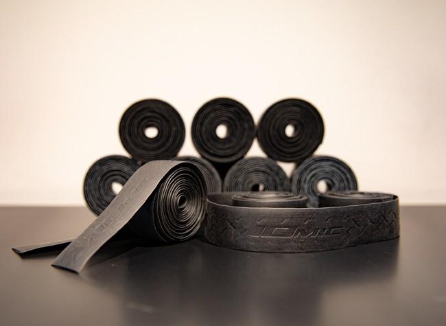 選手が使用するプロトタイプのバーテープ 商品発売に向け改良を行なっていく