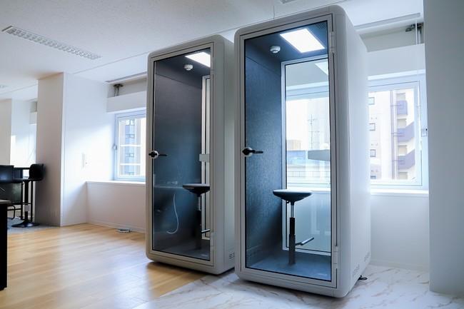 機密情報を扱う会議が安心してできる電話box型会議ブース