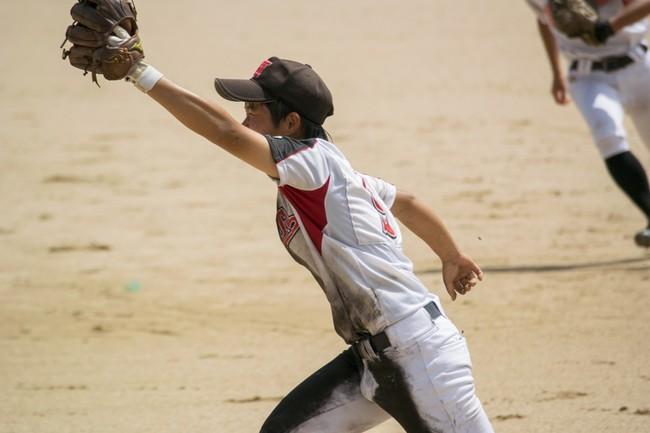女子硬式野球 試合風景