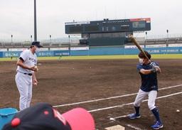 人気野球YouTuberトクサンがJA全農WCBF少年野球教室(松山教室)に潜入!