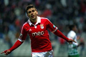Argentine winger Eduardo Salvio remains Benfica until 2019 (Deal extended)