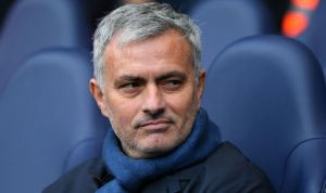 Jose Mourinho impatient to pick an experienced center-back for Manchester United