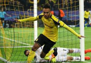 Super Aubameyang hat-trick takes Borussia Dortmund to the quarter-final
