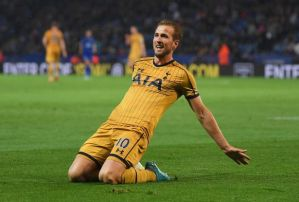 Tottenham star Kane put 4 into the net and become leading scorer
