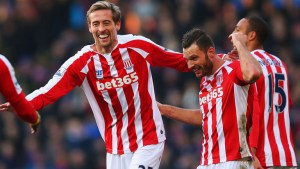Evergreen Crouch gifts Stoke City 3 vital points against the Saints
