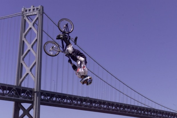 Dave Mirra winning gold in BMX Park at X Games VI in San Francisco (ESPN Images)