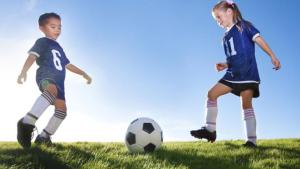 SHOULD YOUNG ATHLETES SPECIALIZE IN A SPORT?