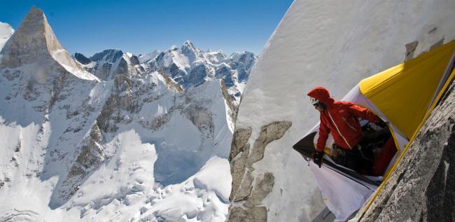 攀登梅魯峰:華裔登山家金國威的冒險紀實   運動星球 sportsplanetmag