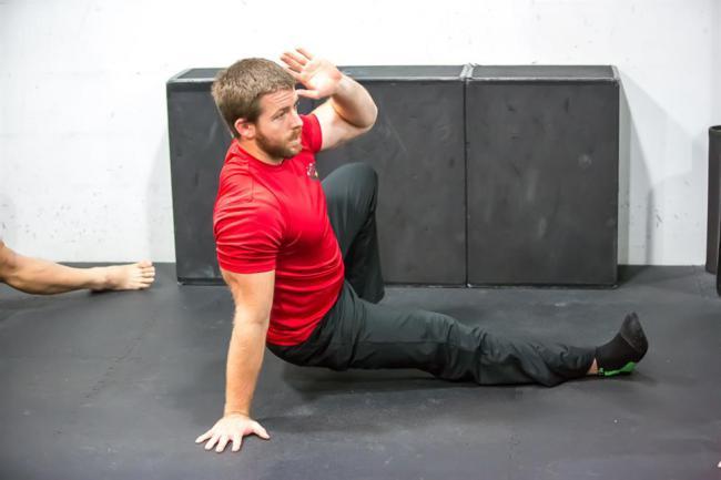 如何快速增肌減脂?8種戰繩訓練幫你迅速達到理想體態 | 運動星球 sportsplanetmag