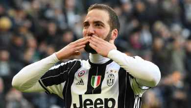 Photo of Higuain hits 100th Serie A goal with opener at San Siro