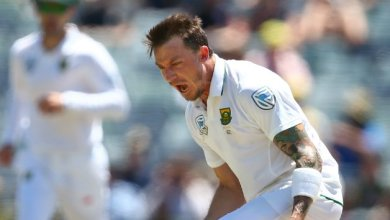 Photo of South Africa close in on series sweep after De Kock century