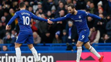 Photo of Hazard, Higuain bag braces as Chelsea demolish Huddersfield Town