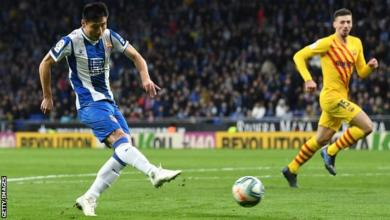 Photo of Wu Lei Scores Late As Espanyol  Dent Barcelona Title Hopes