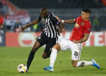 Umar Sadiq on the go against Rojo in an Europa League game between Partizan and United