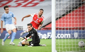 Photo of Pierre-Emerick Aubameyang to sign new three-year Arsenal contract