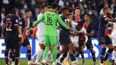 Photo of Watch the moment ref Jerome Brisard gives 5 red cards in PSG v Marseille clash