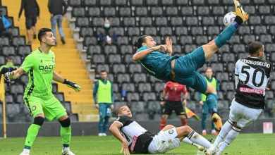 Photo of VIDEO: 39-year old Ibrahimovic scores an acrobatic kick back to keep Milan atop Serie A table
