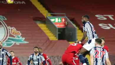 Photo of Ajayi scores 1st Premier League goal to help West Brom earn a point at Anfield