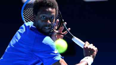 Photo of Monfils out on Day One of Australian Open, breaks down in press conference