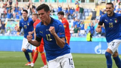 Photo of Italy, Denmark breeze through to Euro 2020 last 8