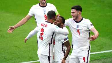 Photo of Sterling fires Three Lions into Euros Round of 16