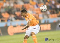 Houston Dynamo Forward Mauro Manotas #19 heads the ball During a game between the Houston Dynamo and Columbus Crew SC, week 2 of the 2017 MLS season.