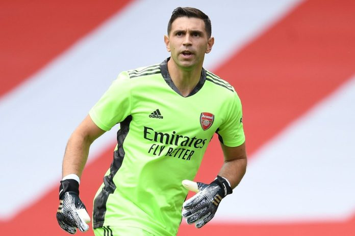 Arsenal goalkeeper Emiliano Martinez completes £20m transfer to Premier League rivals Aston Villa as Gunners