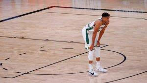 Giannis Antetokounmpo Has Left the Bucks, and Their Fans, Waiting