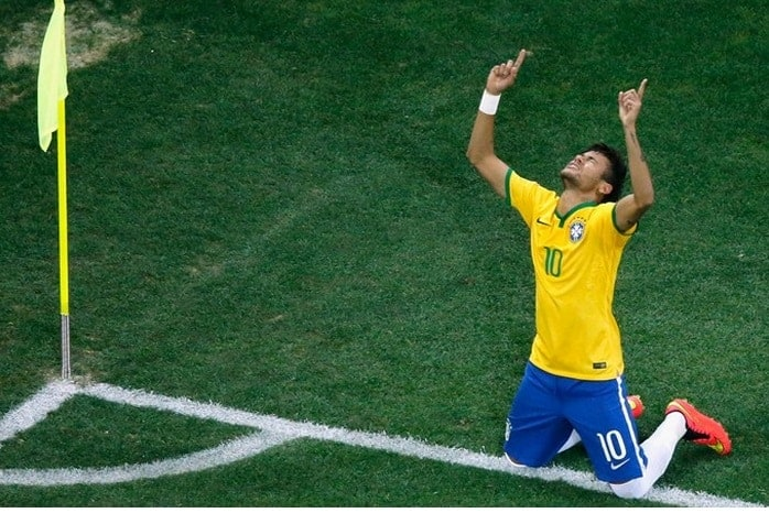 Neymar celebrates his second goal