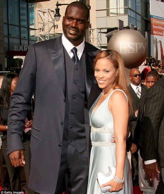 Shaquille with wife, Shaunie O'Neal, in Los Angeles (2007)