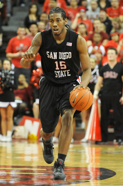 Kawhi Leonard playing for the San Diego State