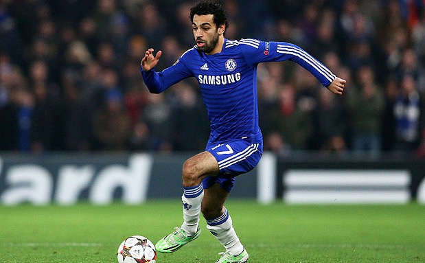 Mohamed Salah of Chelsea running with the ball