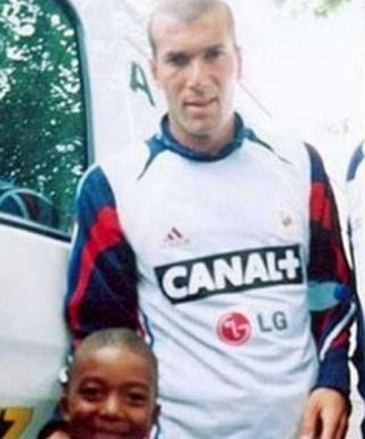 Photo of young Kylian Mbappé with Zinedine Zidane