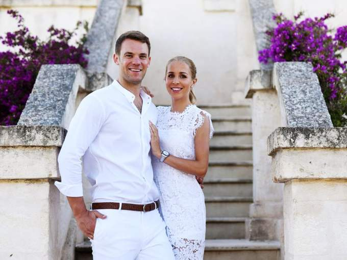 Photo of Manuel Neuer with his wife Nina Weiss