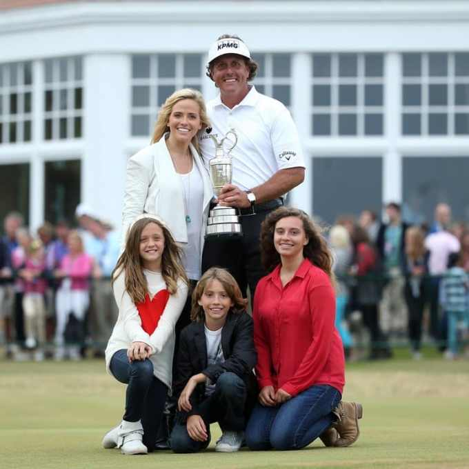 Phil Mickelson Family - Wife and Children